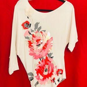 3/4 length sleeve T/blouse.